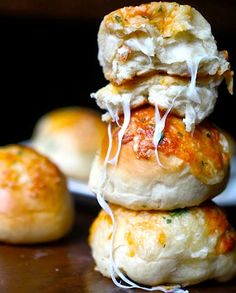 These are amazing... I think it's the garlic powder in the dough that makes them so delicious (Yammie's Noshery: Peeta's Stuffed Cheese Buns)