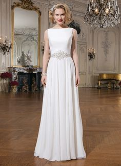 Justin Alexander Simple and beautiful A-line wedding dress