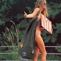NOT REAL, is an ad voor a jeans brand - woodstock 1969 inspired