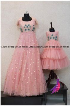 Mom Daughter Matching Dresses, Mom And Baby Dresses, Kids Party Wear Dresses, Kids Dress Wear, Dresses Kids Girl, Dress Party, Mother Daughter Fashion, Baby Dress Patterns, Kids Frocks