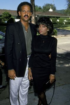 As America fell in love with Oprah, she herself fell for Stedman Graham, a once-divorce basketball player. Why before he had dark complexion and now he looks like whiteman ? Black Celebrity Couples, Celebrity Photos, Oprah Winfrey, Black Celebrities, Celebs, Celebrities Tattoos, Oprah And Stedman, Mississippi, Stedman Graham