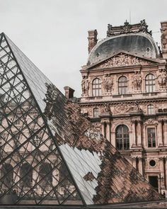 The Louvre museum and glass pyramid in Paris, France. Places to visit and see on your vacation trip to Paris. Paris bucket list things to do. Oh The Places You'll Go, Places To Travel, Places To Visit, Travel Destinations, Vacation Travel, Vacation Places, Solo Travel, Oh Paris, Paris City