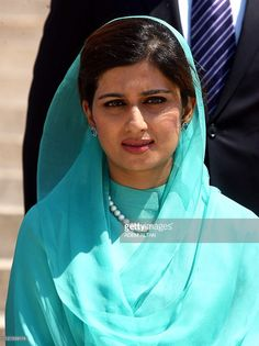 Pakistan's Foreign Minister Hina Rabbani Khar visits the mausoleum of Mustafa Kemal Ataturk, founder of modern Turkey, in Ankara on August 11, 2011. Hina Rabbani is expected to meet her Turkish counterpart later in the day.
