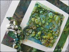 Jeany's Brunnen: Kaart met tyvek / card with tyvek Textiles Techniques, Art Journal Techniques, Fabric Beads, Fabric Art, Pony Bead Crafts, Creative Textiles, Fabric Manipulation, Textile Artists, Mail Art