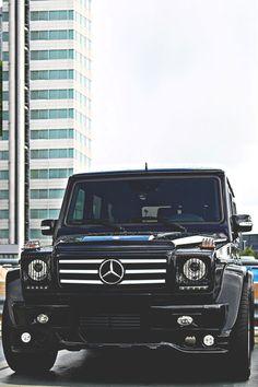 Mercedes G class.Is it a car or a tank? Mercedes G Wagon, Mercedes Benz G Class, Mercedes Jeep, Suv Cars, Sport Cars, G 63 Amg, Automobile, Lunch Boxe, Daimler Ag