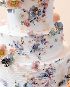 The Wedding Cake Trends That Are Defining 2019 - 7 Life Stories One of the most important accents of your amazing wedding day is wedding cake! I hope you will find the one that will make your wedding more perfect. Find a wedding cake of your dreams! Perfect Wedding, Dream Wedding, Wedding Day, Cake Wedding, Wedding Cake Figures, Floral Wedding Cakes, Luxury Wedding, Wedding Bride, Rustic Wedding