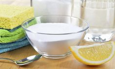 Clean house naturally, banish toxic chemicals and get recipes for natural cleaners and cleaning with vinegar. Green Cleaning, Cleaning Kit, House Cleaning Tips, Spring Cleaning, Cleaning Supplies, Cleaning Mold, Homemade Cleaning Products, Cleaning Recipes, Natural Cleaning Products