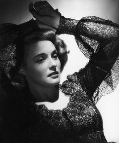 Patricia Neal circa 1940