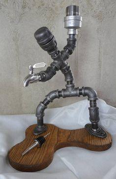 New diy lamp pipe bar ideas Whiskey Dispenser, Alcohol Dispenser, Whisky Spender, Lampe Tube, Diy Pipe, Steampunk Lamp, Industrial Pipe, Pipe Furniture, Pipe Lamp