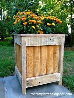 DIY Furniture : DIY outdoor planter