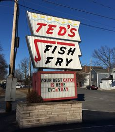 Red s restaurant west coxsackie ny fading neon for Ted s fish fry menu
