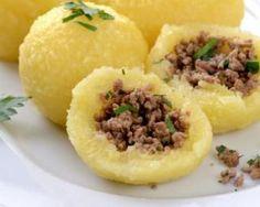 Boulettes de pommes de terre farcies à la viande : http://www.fourchette-et-bikini.fr/recettes/recettes-minceur/boulettes-de-pommes-de-terre-farcies-la-viande.html