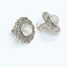 Kalevala koru, kuukiven korvakorut <3 Bling, Stud Earrings, Engagement Rings, Beautiful Things, Jewerly, Silver, Fashion, Enagement Rings, Moda