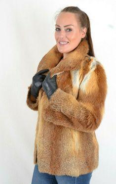 US2815 TRENDY CANADIAN RED FOX FUR JACKET LIGHTWEIGHT FOX SIZE M - FUCHSJACKE #Handmade #FurJacket Fox Coat, Fox Fur Jacket, Red Fox, Jackets, Down Jackets, Red Tail Fox, Jacket, Suit Jackets, Fox