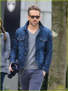 Ryan Reynolds Unloads Hollywood Hills Bachelor Pad for $1.4 Million! | Ryan Reynolds Photos | Just Jared