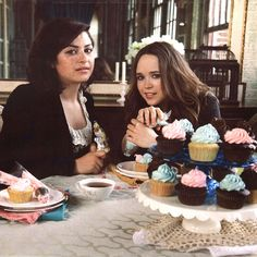 Ellen Page, Alia Shawkat and a lot of cupcakes. What more can a girl want?