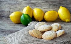 Sweet Lemon Cookies- 5 ingredients starts with a lemon cake mix and instant lemon pudding, cooking oil, 2 eggs and top with powdered sugar Lemon Drop Cookies, Lemon Sugar Cookies, Gooey Butter Cookies, Butter Cookies Recipe, Ricotta, Lemon Biscuits, Lemon Cake Mixes, Lemon Recipes, Spring Recipes