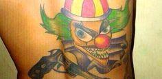 #SalaSocial: PM baiano desvenda significados de tatuagens no mundo do crime:  Estudo levantou 50 mil documentos e fotos em presídios e delegacias, institutos médicos legais, jornais, revistas e redes sociais, além de raras entrevistas com detentos.  http://www.msn.com/pt-br/noticias/brasil/supernumbersalasocial-pm-baiano-desvenda-significados-de-tatuagens-no-mundo-do-crime/ar-AA8GWNn