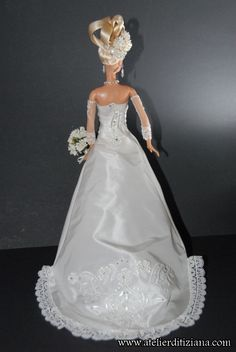 Le Tiziana Atelier - Barbie OOAK main - détail photo