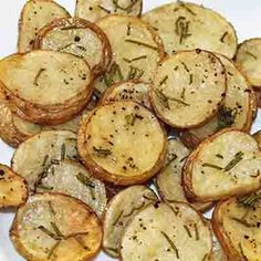 Delicious and healthy recipe for Skinny Rosemary Parmesan Oven Potatoes