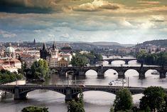 les ponts qui enjambent la Vltava …reépinglé par Maurie Daboux.•*´♥*•❥ڿڰۣ—