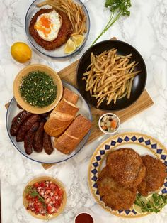 Cooked Argentine food for the first time! Milanesa & Papas Fritas with Choripan, Chimichurri, and Salsa Criolla : dinner South American Dishes, Milanesa, Chimichurri, What You Eat, First Time, Salsa, Internet, Community, Dinner
