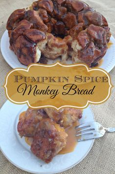 This Pumpkin Spice Monkey Bread is the perfect fall dessert. #pumpkin #recipe #fall #monkeybread