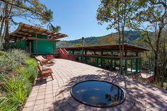 Casa en Gonçalves / André Vainer Arquitetos