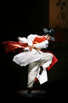 한복 Hanbok : Korean traditional clothes[dress] | dancer