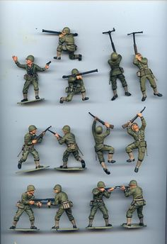 {Do you want kids toy tips? Plastic Toy Soldiers, Plastic Soldier, My Childhood Memories, Childhood Toys, Retro Toys, Vintage Toys, Army Men Toys, Airfix Models, Military Figures
