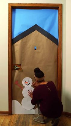 Bring some good cheer to your classroom with this holiday classroom doors and winter classroom door ideas. Then recreate them yourself! #holidays #classroomdecor #classroom #DIY #christmasdecor #teaching Christmas Door Decorating Contest, Holiday Door Decorations, School Door Decorations, Preschool Christmas, Preschool Crafts, Winter Theme, Cheer, Door Ideas, Diy Party