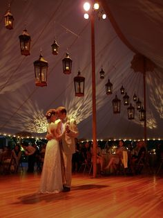 New Wedding Reception Tent Decorations Hanging Lanterns 19 Ideas Tent Wedding, Wedding Bells, Wedding Reception, Dream Wedding, Wedding Tent Lighting, Wedding Dancing, Tent Reception, Event Lighting, Wedding Rustic