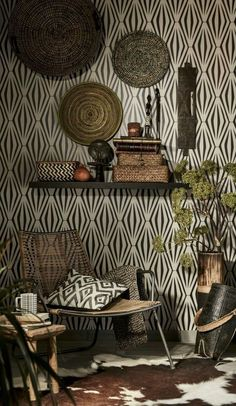 A touch of nature right in our room. Tribal decor, a Decor, Afrocentric Decor, Home Wallpaper, African Decor Living Room, African Interior Design, Tribal Decor, African Home Decor, African Inspired Decor, Global Home Decor Style
