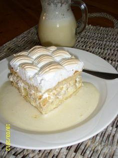 Omenahyve, josta saattaa tulla p a h e ; ) Pastry Cake, Bon Appetit, Food And Drink, Healthy Recipes, Healthy Food, Pudding, Sweets, Desserts, Pastries