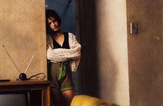 Leon, The Professional Natalie Portman Mathilda, Natalie Portman Young, Leon The Professional Mathilda, The Professional Movie, Film Composition, Lolita 1997, Luc Besson, Indie Films, Teen Girl Poses