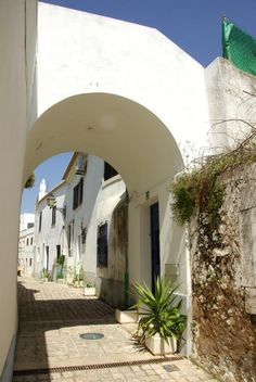 Albufeira - the moorish old narrow streets, an other #Algarve besides the sandy beaches  Portugal