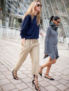 Look casual + sandales à talons ultra sexy = le bon mix