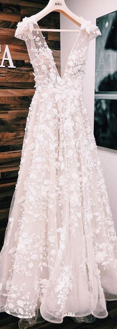 Stunning new # BERTA creation from the Athens Bridal Collection . , Stunning new # BERTA creation from the Athens Bridal Collection . Floral Wedding Gown, Dream Wedding Dresses, Wedding Gowns, Floral Gown, Wedding Rings, Detailed Wedding Dresses, Floral Wedding Dresses, Unique Wedding Dress, Stunning Wedding Dresses
