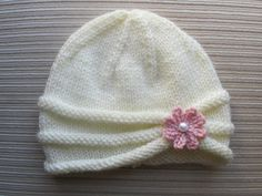 Handknitsbyelena--Yelena Chen--Rolled Brim Hat with a Flower for a Girl (6-9 months and 2-4 years)
