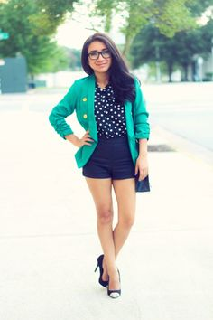 Via www.jessicafashionotes.com, moderno elegante, blanco y negro, leather shorts, polka dots, latina, moda, estilo, fashion blogger, joryck