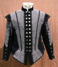Doublet frontview  by www.nimblearts.com/Costuming/Costuming.html