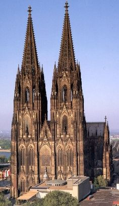 World famous, soaring Gothic cathedral in Köln (Cologne), Germany. A world heritage site as of /NSC Sacred Architecture, Cathedral Architecture, Beautiful Architecture, Beautiful Buildings, Architecture Religieuse, Famous Buildings, Cathedral Church, Gothic Cathedral, Place Of Worship
