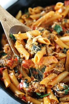 One Pot Sausage Pasta Recipe on twopeasandtheirpo. This easy one pot pasta only takes 30 minutes to make! It is a weeknight favorite! Healthy Sausage Recipes, Sausage Pasta Recipes, Healthy Pastas, Pork Recipes, Seafood Recipes, Healthy Snacks, Dinner Recipes, Cooking Recipes, Dinner Ideas
