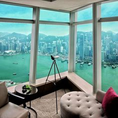 There's nothing quite like looking out your hotel window at dazzling skyline. Hong Kong's best hotels for amazing views include the Mandarin Oriental, Island Shrangri-La, Ritz-Carlton and 11 others. Find Hotels, Best Hotels, Rolls Royce Wallpaper, Luxury Accommodation, Luxury Resorts, Traveling With Baby, Travel Abroad, Hotel Deals, Hotel Reviews