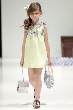 Moda para Niños y Niñas: Niñas de Moda con los Vestidos de Verano 2014 de Foque