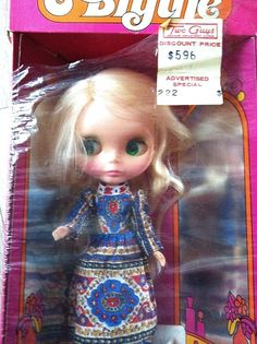 Vintage mod blonde Kenner Blythe doll in original box MINT - this would be the ultimate find!