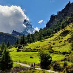 Path to the Matterhorn | Zermatt, Visp, Valais, Switzerland |by Pierre Hanquin