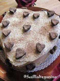 Torta a cuore con crema al caffè e cioccolato bianco di Fusilli al tegamino
