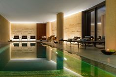 Luxury Hotel in Milan, Bvlgari Hotel is located in an ancient building of 1700 and offers a relaxing environment thanks to the 4000 sqm garden, the restaurant and the SPA. Bulgari Hotel Milan, Bvlgari Hotel, Milan Hotel, Hotels And Resorts, Best Hotels, Hotel Internacional, Hotel Specials, Ancient Buildings, Luxury Spa