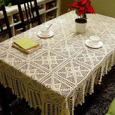Crocheted tablecloth: incredible patterns for inspiration Crocheted tablecloth: incredible patterns for inspiration, # Crochet Crochet Tablecloth Pattern, Crochet Curtains, Crochet Quilt, Crochet Cushions, Crochet Home, Thread Crochet, Filet Crochet, Crochet Motif, Crochet Doilies
